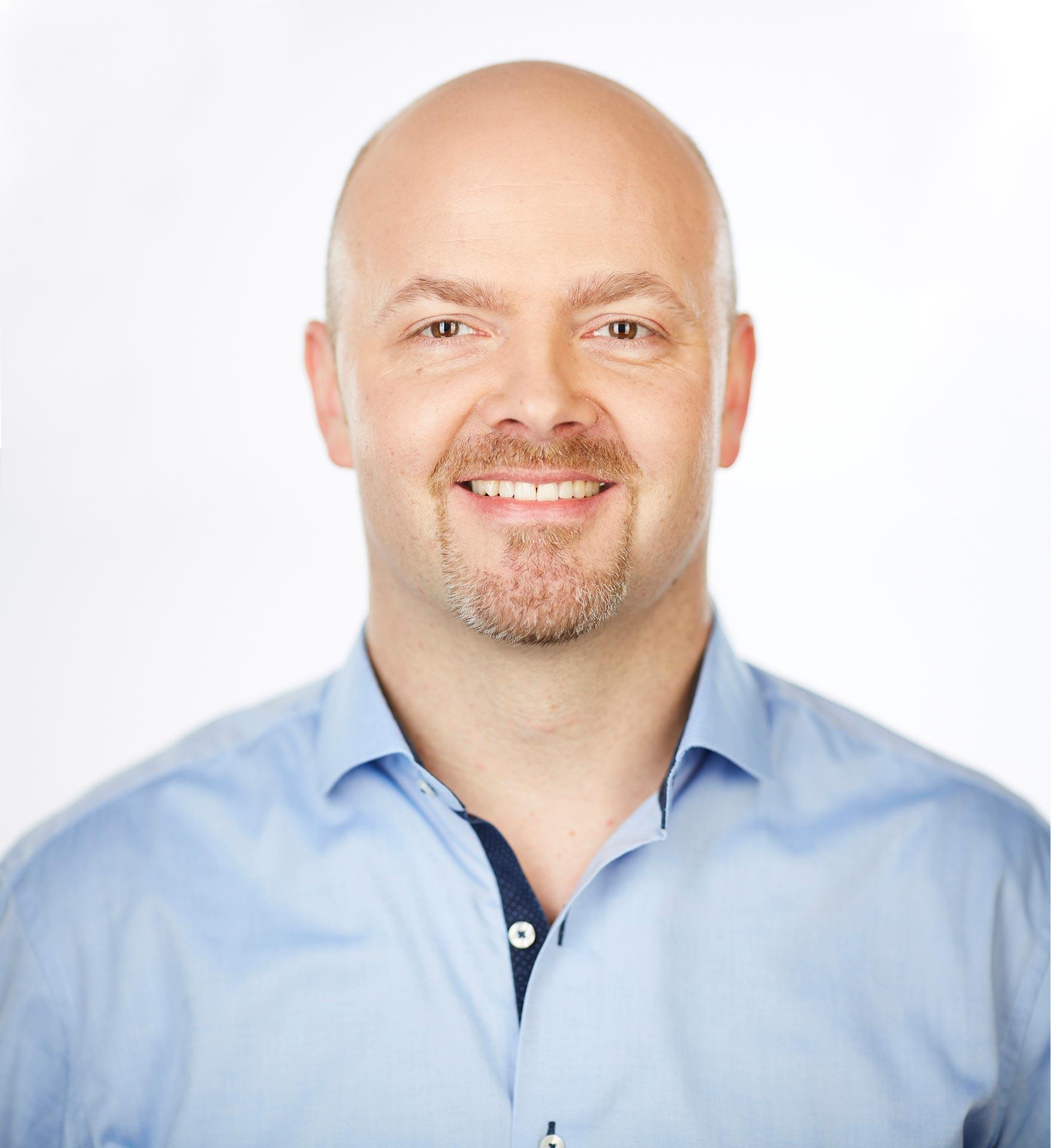 Dr. Tim Güß